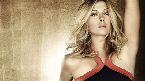 Celebrity Pictures and Biography: Maria Sharapova