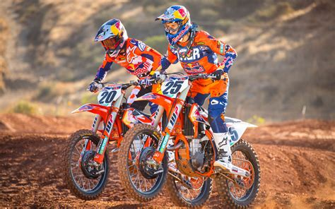KTM duo are ready for action! - MotoHead