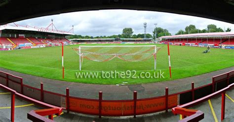 Football League Ground Guide - Crawley Town FC