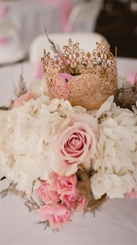 Pink and Gold Baby Shower Ideas   POPSUGAR Family Photo 8