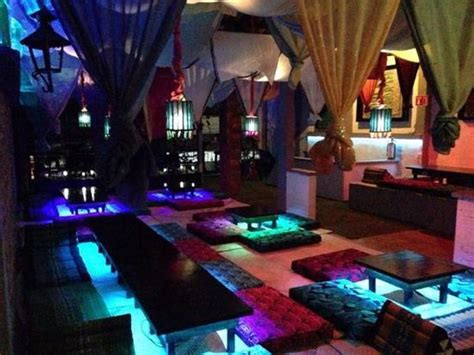 What is a Hookah bar? What is it like? - Quora
