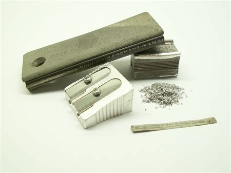 File:Magnesium-products