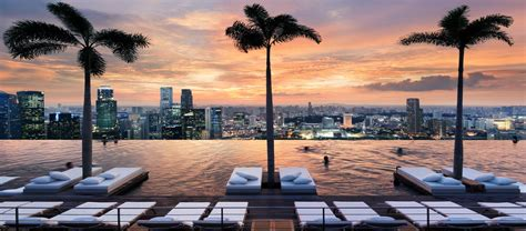 Infinity Pool | Things To See & Do in Singapore | Marina